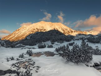 Snowy sunset in the mountain