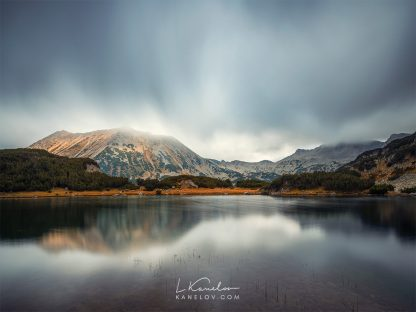 Misty mountain lake photography