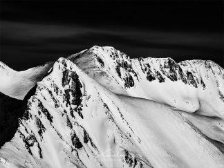 Snowy mountain peaks photography